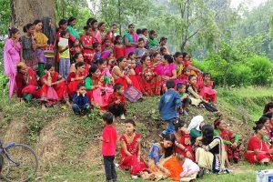 Women gathering at the Thakurdwara temple